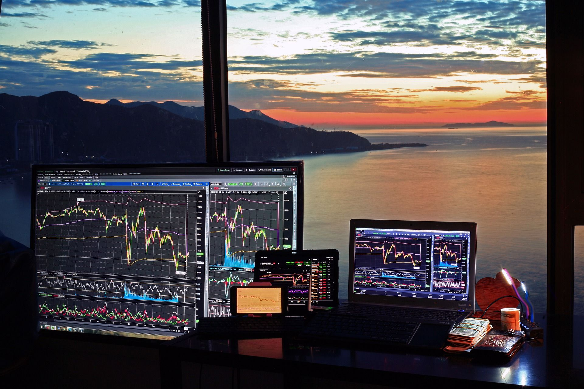 stock-market-6531146_1920