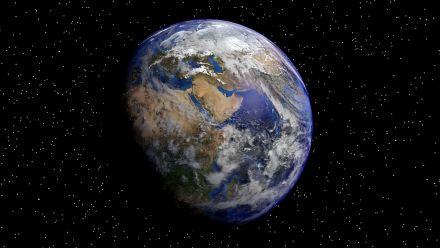 earth-1991821_1280